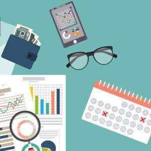 Une paire de lunette, un portefeuille et un calendrier sont déposés sur une table